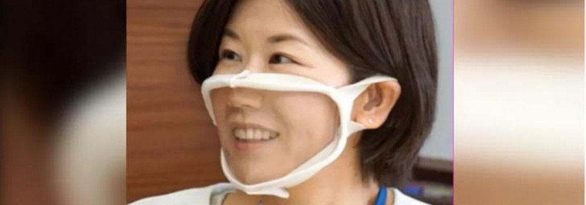 日「透明口罩」秀笑容 網酸:黏到鼻涕怎辦